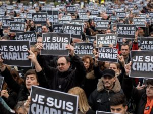 "RUEIL-MALMAISON: ""Je suis Charlie"", people honor the victims"